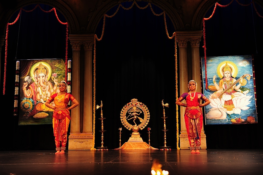 Grand stage barathanatyam dance australia for Arangetram stage decoration ideas